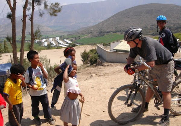 sustainable travel, kids, biking