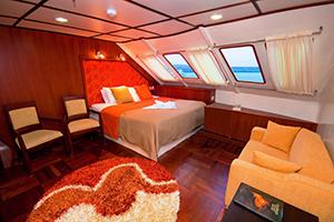 catamaran suite