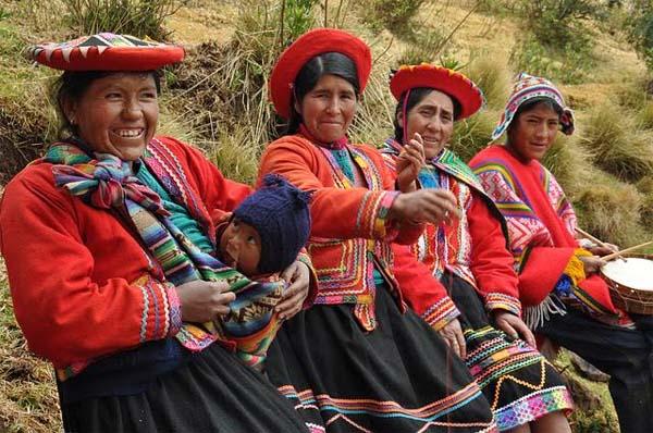 muejres-Peru